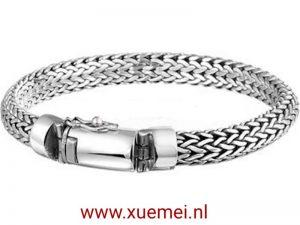 Zilveren gevlochten armband met klik sluiting