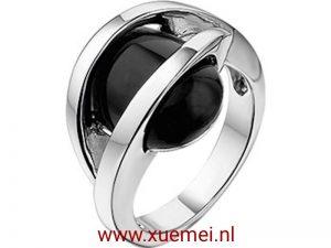 Zilveren damesring met onyx