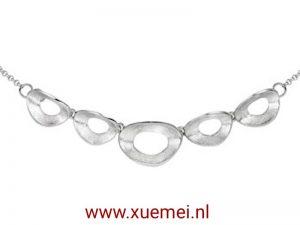 """Zilveren collier """"modern"""""""