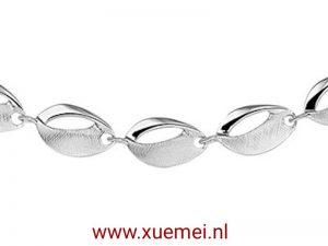 """Zilveren collier """"open bladen"""""""