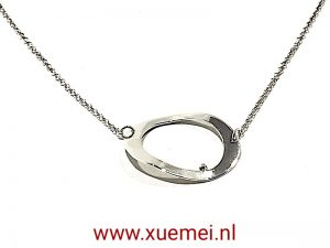 "Zilveren collier ""Our circle"""