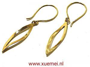 """Gouden oorbellen """"blaadje"""""""
