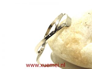 "Witgouden ring ""Waves"""