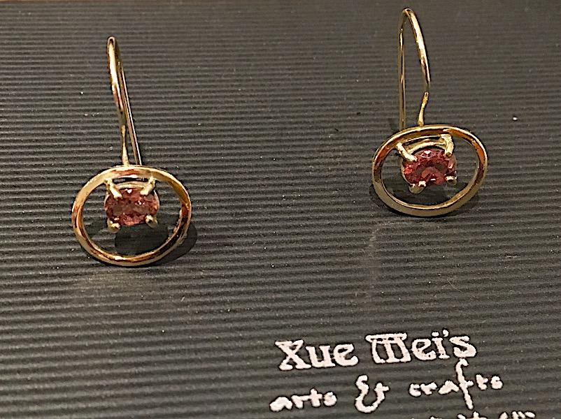 Opdracht oude goud vermaken naar gouden oorbellen met toermarlijn