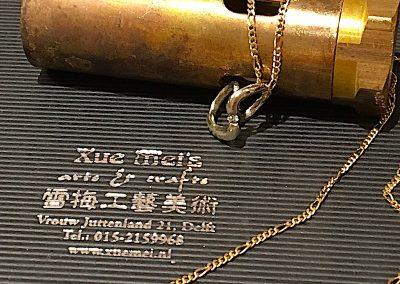 Opdracht gouden hanger gemaakt van oude gouden ring met diamant