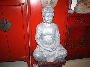 Aardewerk boeddha meditatie