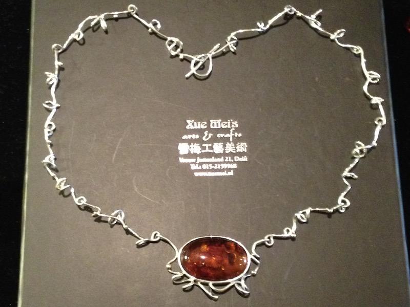 juwelier xuemei maakt juwelen in opdracht
