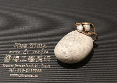 Antieke familie gouden ring met kinder tandjes compeelt herstellen