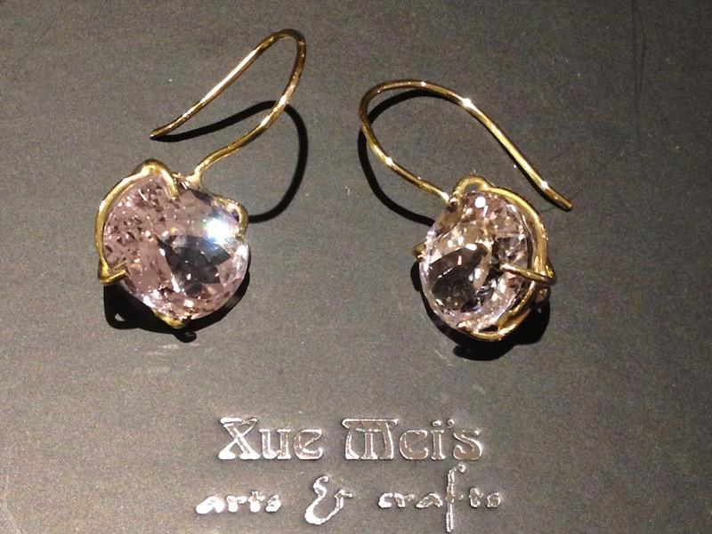 Opdracht 18k gouden oorbellen met grote amethist