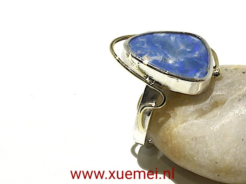 "Zilveren / gouden ring met Opaal ""Hold the wonderful feeling"""