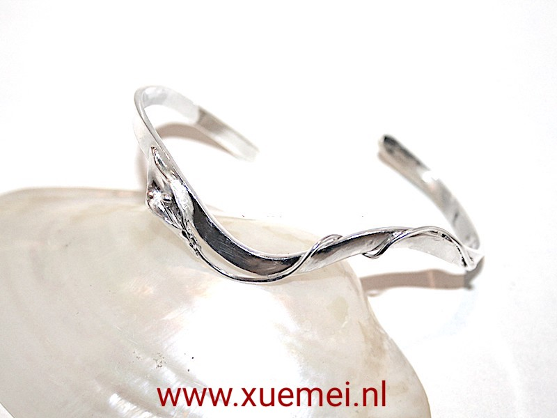 "Zilveren armband ""lelie and rots"""