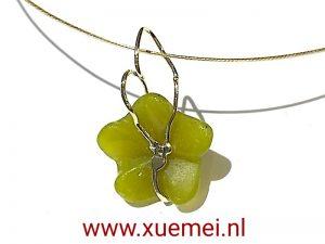 gouden hanger jade bloem - goudsmid Xuemei Dijkstal