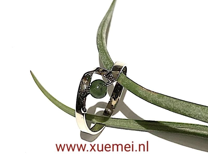 jade ring witgoud - edelsmid Xue Mei Dijkstal - Delft