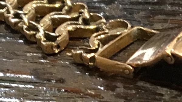 reparatie van gouden armband