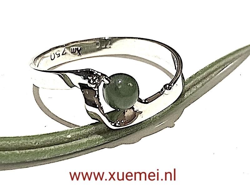 witgouden verlovingsring jade - edelsmid Delft - Xue Mei Dijkstal