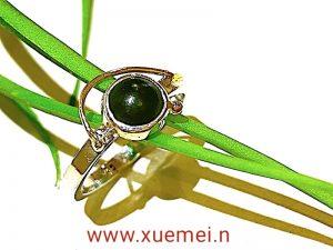 zilveren gouden ring met groen edelsteen - jade - edelsmid Xuemei Dijkstal