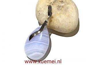 witgouden hanger chalcedoon - edelsmid Xuemei Dijkstal - Delft
