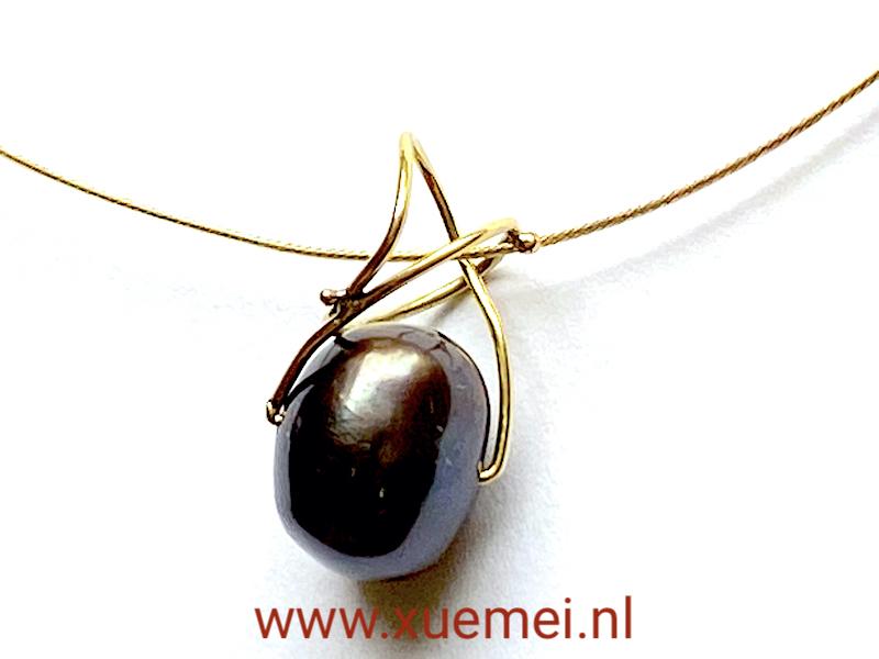 gouden hanger parel - uniek - handgemaakt - edelsmid Xuemei Dijkstal