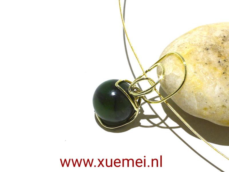 gouden hanger jade - groen steen - edelsmid Xuemei Dijkstal