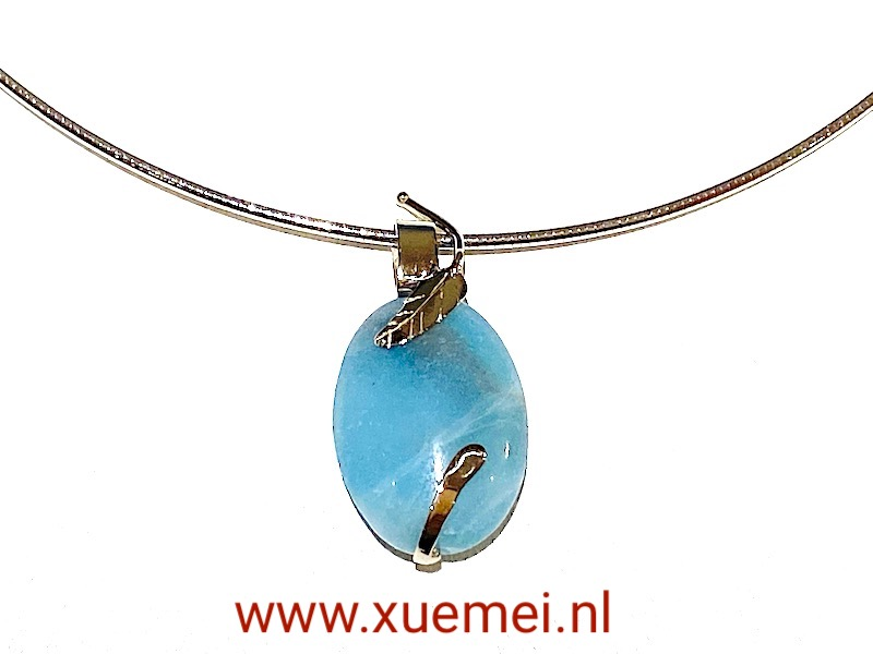 witgouden collier met hanger blauwe amazoniet - uniek - edelsmid Xuemei Dijkstal
