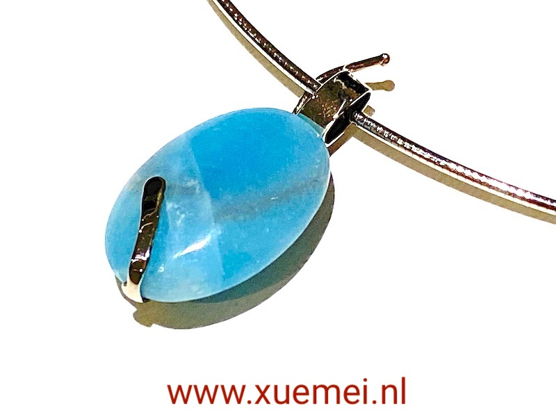 witgouden hanger- ketting met blauwe edelstenen - amazoniet - uniek - goudsmid Xuemei Dijkstal