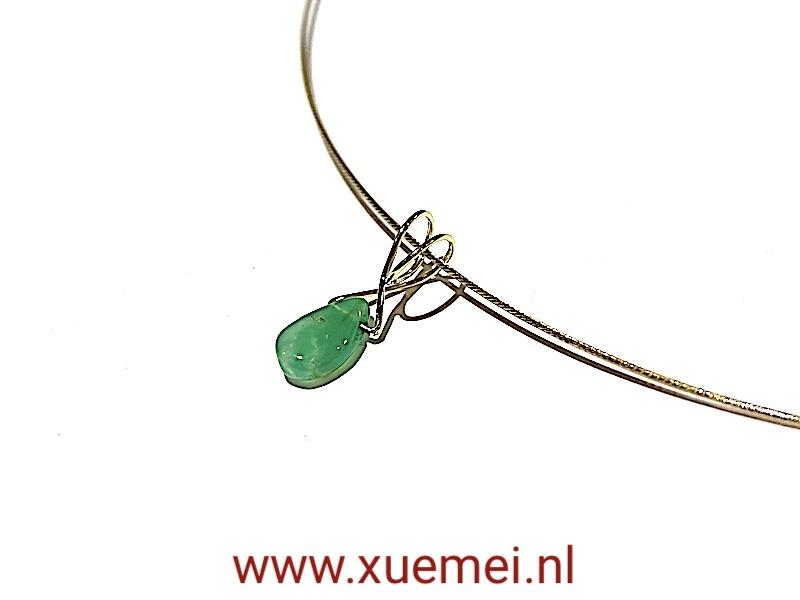 Gouden hanger chrysopraas - groen edelsteen - uniek - goudsmid Xuemei Dijkstal