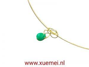 gouden-hanger-Chrysopraas-edelsmid-Delft-Xuemei-Dijkstal