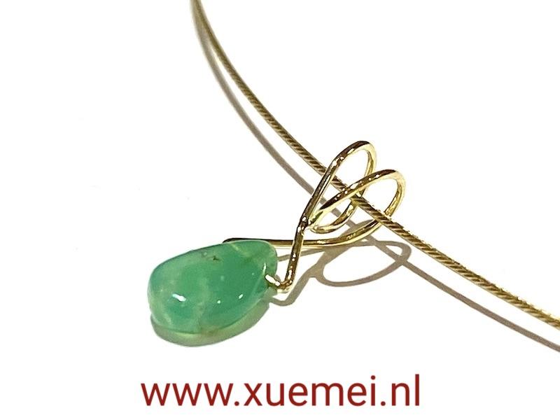 gouden hanger chrysopraas - groen steen - uniek - edelsmid Xuemei Dijkstal