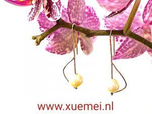 gouden oorbellen parel - goudsmid Xue Mei - juwelier Delft