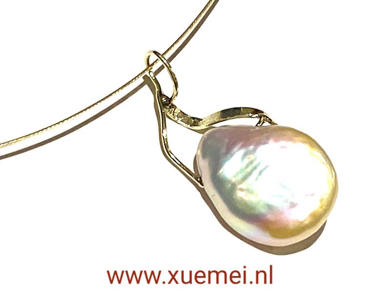 parel hanger goud - handgemaakt - edelsmid Xuemei Dijkstal