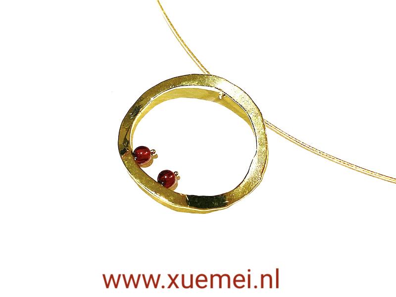 gouden hanger circle of life - cikel van het leven - uniek - edelsmid Xuemei Dijkstal - one of a kind jewelry