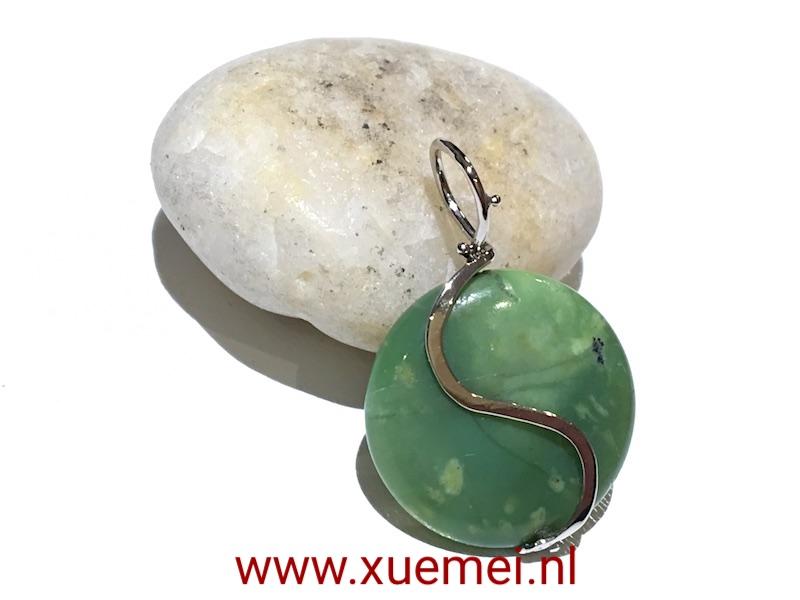 gouden-hanger-Chrysopraas-groen-steen-edelsmid-Xuemei-Dijkstal