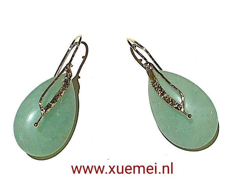 gouden oorbellen aventurijn - groen steen - goudsmid Xuemei Dijkstal.