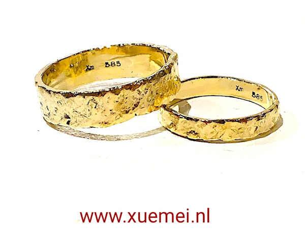 trouwringen goud met rotseffect