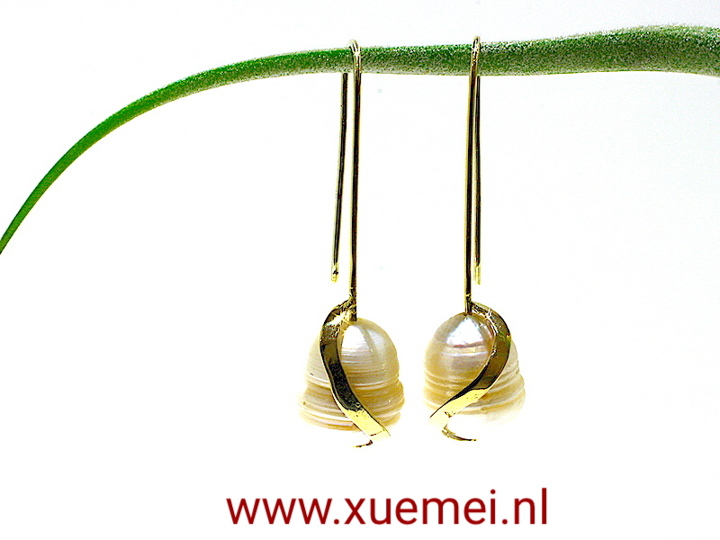 edelsmid juwelier Delft - parel oorbellen - Xuemei Dijkstal