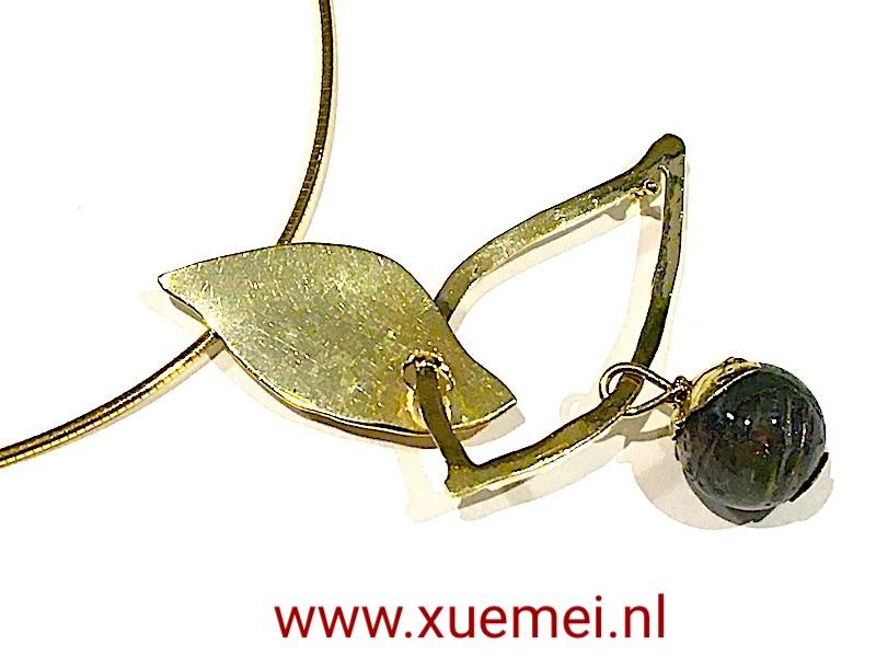 gouden hanger groen toermalijn - juwelier en edelsmid Delft - Xuemei Dijkstal