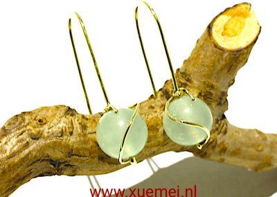 """Gouden oorbellen met jade """"Be with you"""""""
