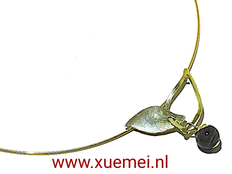 groen toermalijn gouden hanger : ketting - juewlier en edelsmid Delft - Xuemei Dijkstal