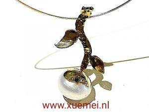 parel hanger goud - edelsmid Xuemei Dijkstal