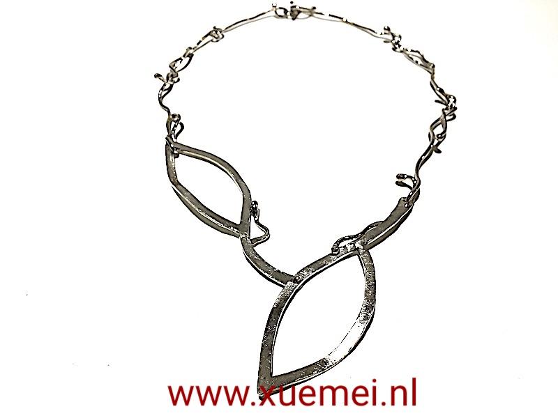 handgemaakte zilveren ketting - edelsmid Xuemei Dijkstal