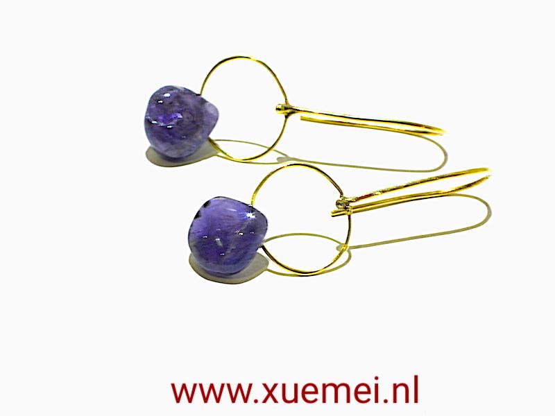 saffier oorbellen goud - juwelier en edelsmid Delft - Xuemei Dijkstal