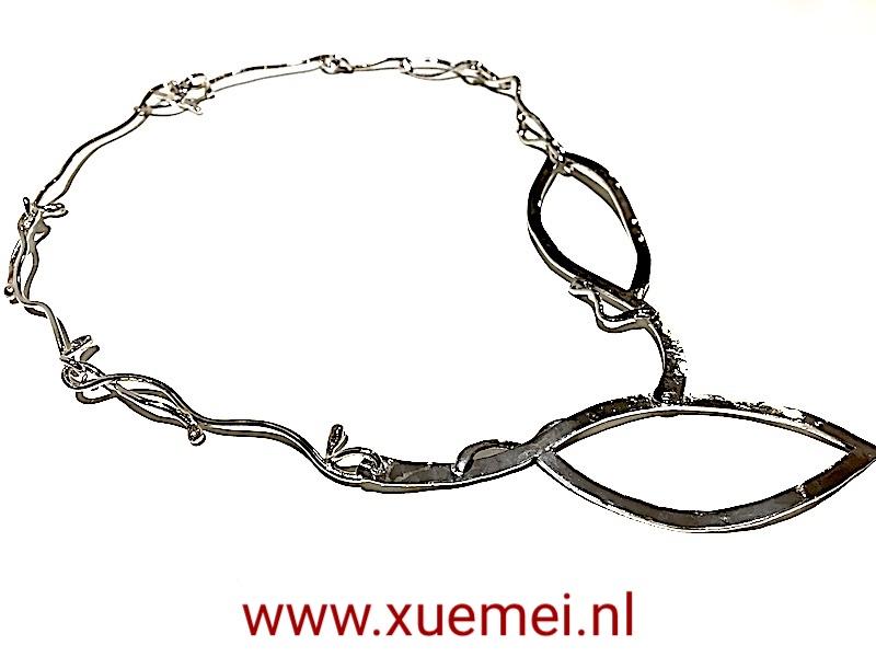 unieke zilveren collier - edelsmid Xuemei Dijkstal