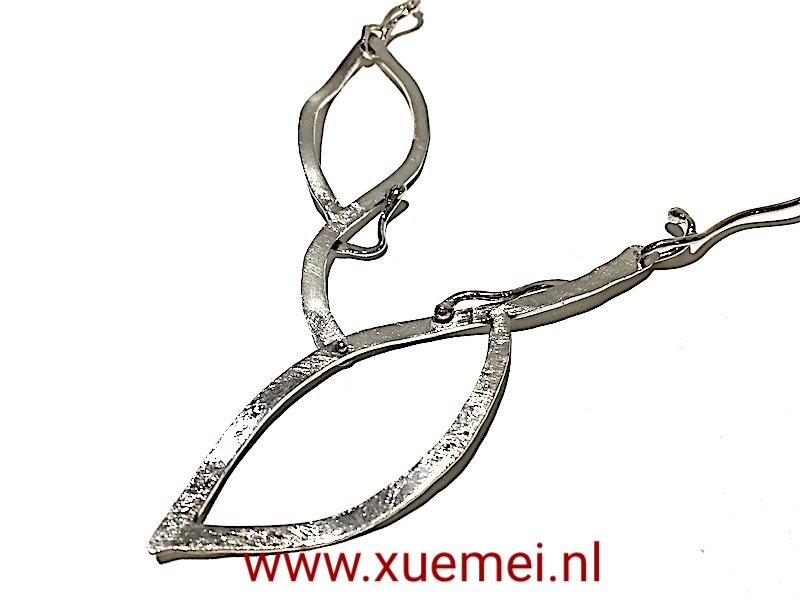 unieke zilveren collier - handgemaakt - edelsmid Xuemei Dijkstal