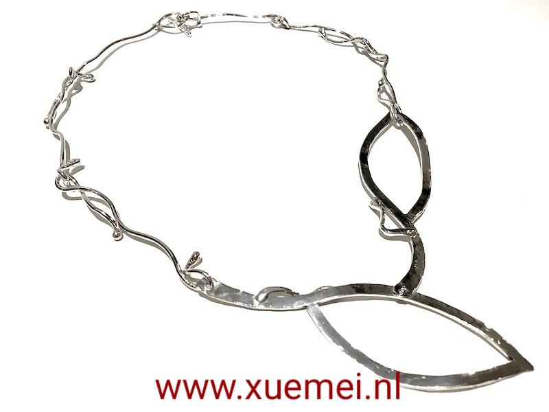unieke zilveren ketting - handgemaakt - edelsmid Xuemei Dijkstal