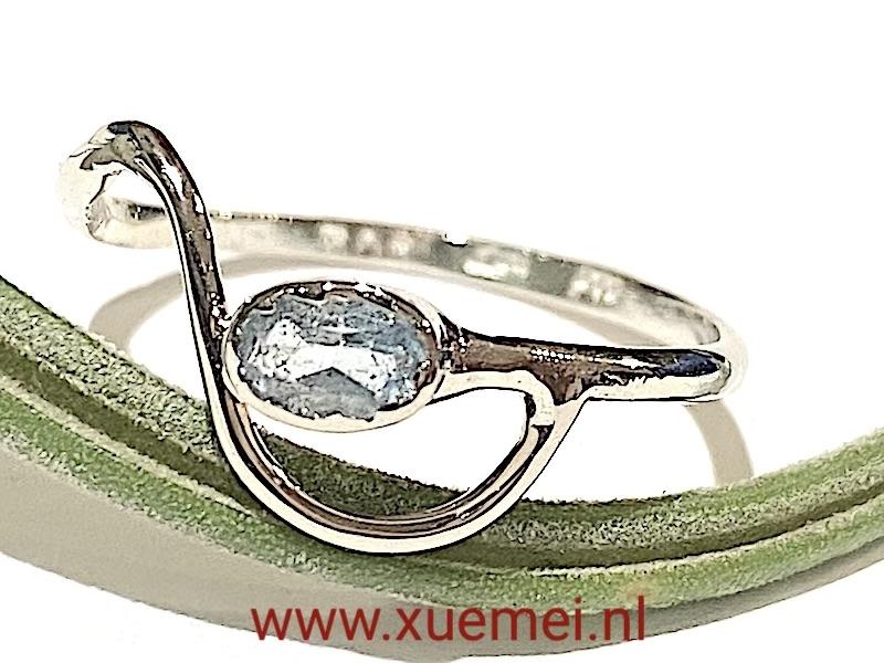 aquamarijn ring witgoud - edelsmid Xue Mei - juwelier Delft
