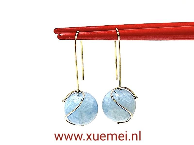 gouden oorbellen aquamarijn - edelsmid Xuemei Dijkstal
