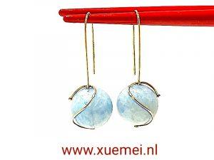 gouden oorbellen aquamarijn - goudsmid Xuemei Dijkstal - Delft