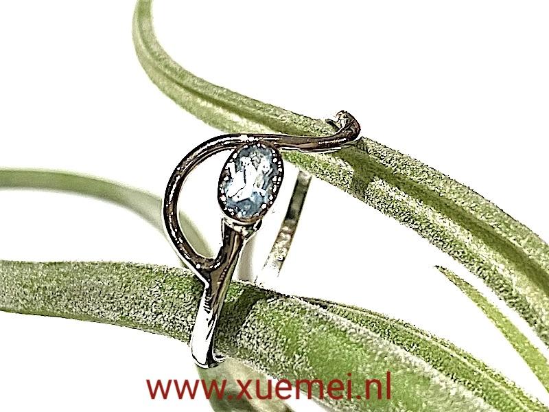 verlovingsring witgoud aquamrijn - edelsmid Xue Mei -juwelier Delft