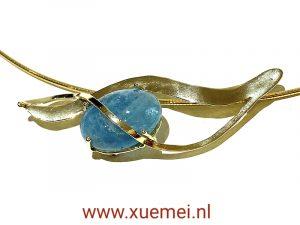Gouden collier met aquamarijn - handgemaakt - goudsmid Xuemei Dijkstal - uniek - one of a kind jewelry