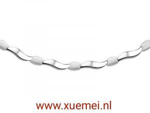 exclusieve zilveren collier - Xue Mei - juwelier en edelsmid Delft